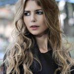Schöner Stil kurze Frisur Luxusmodell kurze Haare Frau Modell kurzes Haar