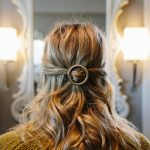 Naturlocken Frisuren Für Mittellange Haare Ring Halboffen Schulterllang Einfache Alltagsfrisur