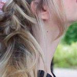 halfup double dutch braids blumen im haar die oktoberfest_frisur