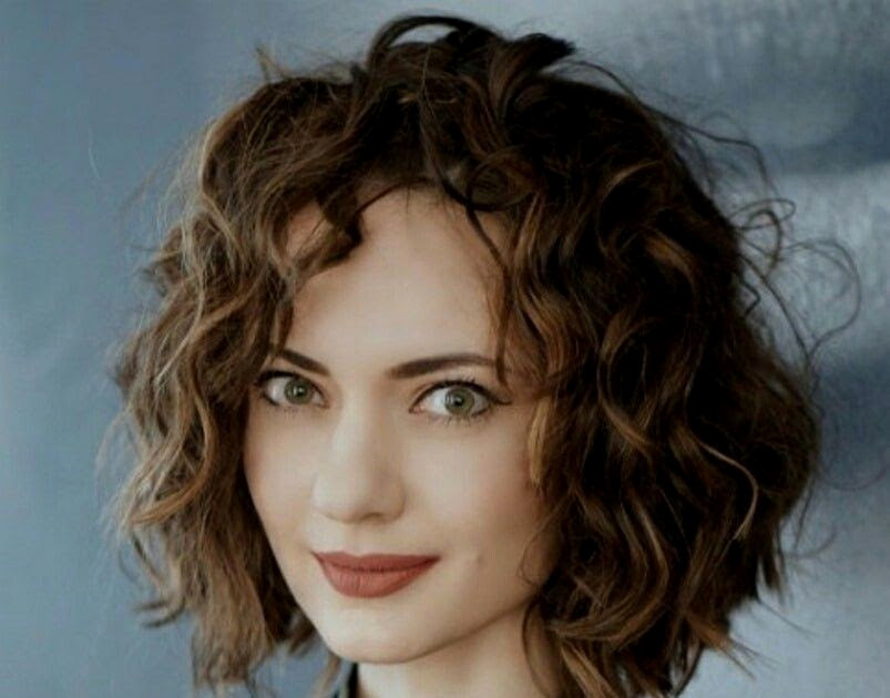 Locken Frisuren 2019 Elegant Frisuren 2019 Frauen Mittellang Locken